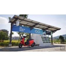 Умная остановка на солнечных модулях с электронным табло